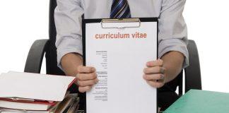 Aprenda a como fazer um currículo para seu primeiro emprego